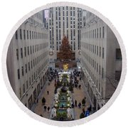Rockefeller Plaza At Christmas Round Beach Towel