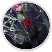 Roses With Coweb Round Beach Towel