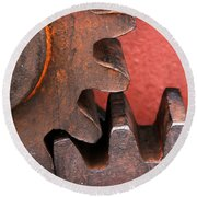 Rusty And Metallic Gear Wheel Round Beach Towel