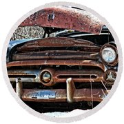 Rusty Old Car Round Beach Towel