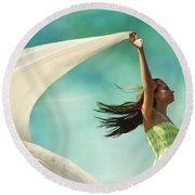 Sailing A Favorable Wind Round Beach Towel
