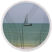 Round Beach Towel featuring the photograph Sailing In The Gulf by D Hackett
