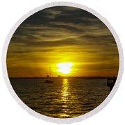 Sailing The Sunset Round Beach Towel