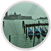 Round Beach Towel featuring the photograph Sanding By by Brian Reaves