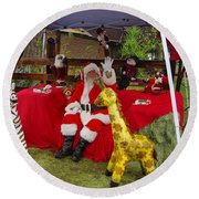 Santa Clausewith The Animals Round Beach Towel