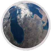 Satellite View Of Great Lakes Round Beach Towel