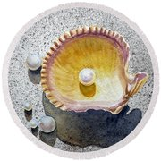 Sea Shell And Pearls Round Beach Towel
