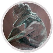 Seated Woman Side Light Round Beach Towel