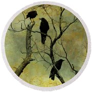 Secretive Crows Round Beach Towel