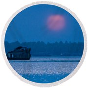 Setting Sun And Boat Round Beach Towel