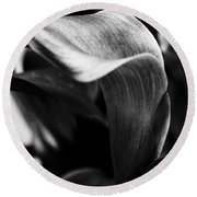 Shapely As A Lily Round Beach Towel