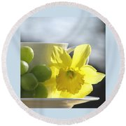 Sipping Spring Round Beach Towel