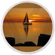 Round Beach Towel featuring the photograph Sister Bay Sunset Sail 2 by David T Wilkinson