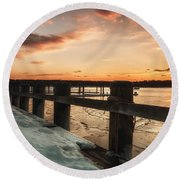 Snowy Sunset In Northport New York Round Beach Towel