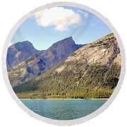 Spray Lake Mountains Round Beach Towel