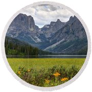 Squaretop Mountain And Upper Green River Lake  Round Beach Towel