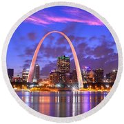 St. Louis Skyline At Dusk Gateway Arch Color Panorama Missouri Round Beach Towel