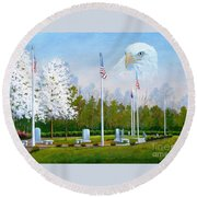 Standing Guard Over Veterans Park Round Beach Towel
