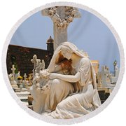 Statue Mourning Woman Round Beach Towel