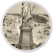 Statue Of Liberty, New York Round Beach Towel