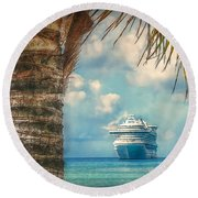 Stopover In Paradise Round Beach Towel