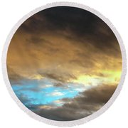 Stratus Clouds At Sunset Bring Serenity Round Beach Towel