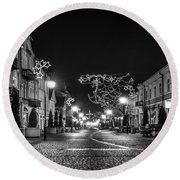 Streets Before Christmas Round Beach Towel