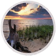 Stumps And Sunset On Oyster Bay Round Beach Towel