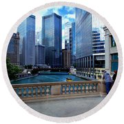 Summer Breeze On The Chicago River - Color Round Beach Towel