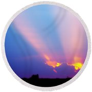 Sun Rays At Sunset Round Beach Towel