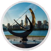 Sundial And Chicago Il Round Beach Towel