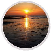 Sundown At The North Sea Round Beach Towel
