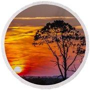 Sundown With Tree Round Beach Towel