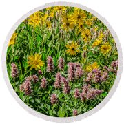 Sunflowers And Horsemint Round Beach Towel by Sue Smith