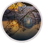 Sunrise At The Thomas Jefferson Memorial Round Beach Towel