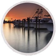 Sunset At The Pelican Yacht Club Round Beach Towel