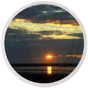 Sunset On A Cloudy Evening Round Beach Towel