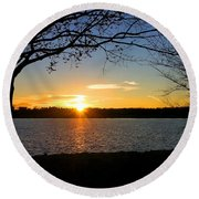 Sunset On The Potomac Round Beach Towel