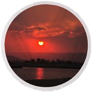 Sunset Over Hope Island Round Beach Towel