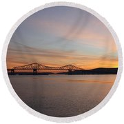 Sunset Over The Tappan Zee Bridge Round Beach Towel