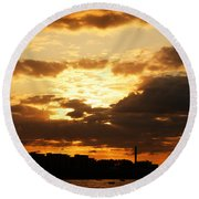 Sunset Over The Thames From Greenwich Round Beach Towel