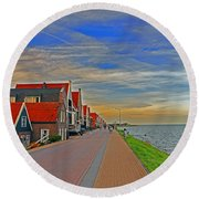 Sunset Over Volendam Round Beach Towel