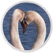 Swans Painting Round Beach Towel