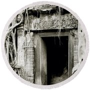 Ta Prohm Doorway Round Beach Towel