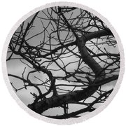 Tangled By The Wind Round Beach Towel