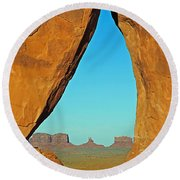 Tear Drop Arch Monument Valley Round Beach Towel