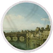 The Arno In Florence With The Ponte Round Beach Towel