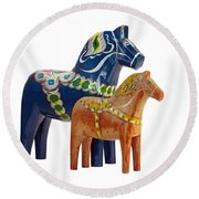 The Blue And Red Dala Horse Round Beach Towel