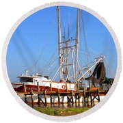 Round Beach Towel featuring the photograph The Captain Hw by Gordon Elwell