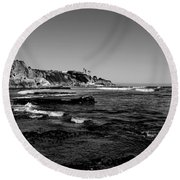 The Cliffs Of Pismo Beach Bw Round Beach Towel